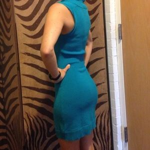 BCBG turquoise, short-sleeved sweater dress